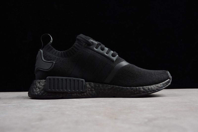 new product 13a2f 05d49 Men's And Women's Casual Sneaker Adidas NMD R1 Primeknit Triple Black BZ0220