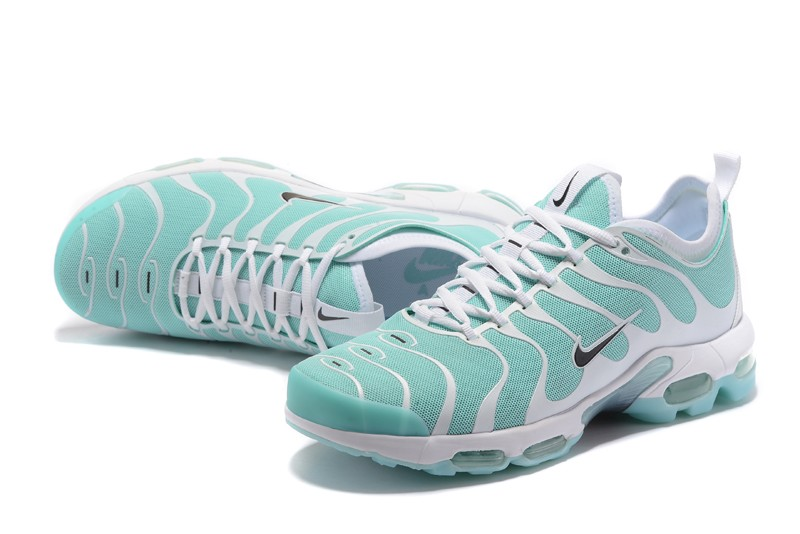 huge selection of d37a9 8855a Men s Women s Nike Air Max Plus TN Ultra Limit Jade White 881560-400 Sport  Shoes