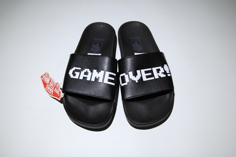 d01c7f4714f374 Brand New VANS Slide On Black White Letter Summer Beach Surf Casual Slippers