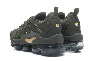 Nike Air Vapormax Plus Tn Men s Army Green Metallic Gold Running Shoes Hot  Selling be7c9ad20