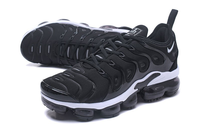 buy online 4fedd 56e6b Nike Air Vapormax Plus Tn Men s Black White Classic Running Shoes For  Online Sale