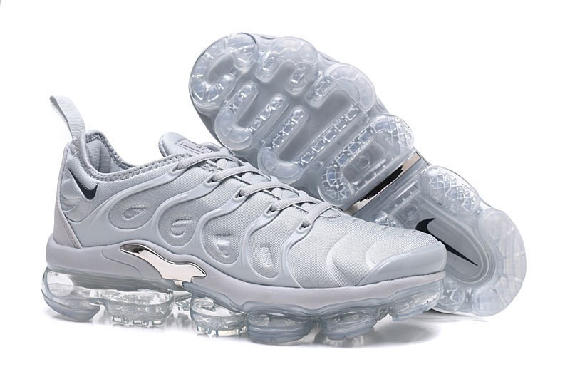 Nike Air Vapormax Plus Tn Men s White Metallic Silver Comfortable ... ef456eb85