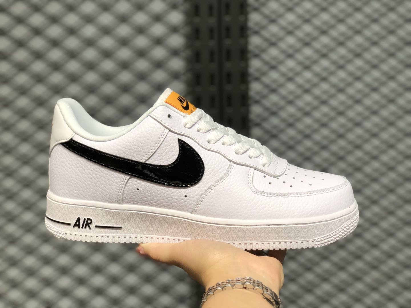 coser animal uno  Nike Air Force 1 Low White/Obsidian-Gum CI0057-100 Free Shipping | Sneakers  Big Sale