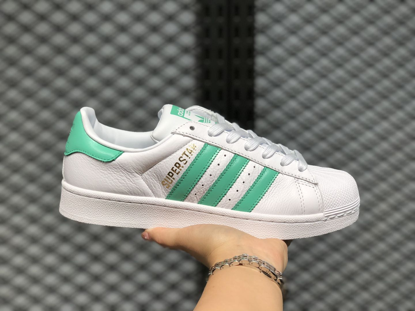 Superstar org//Green