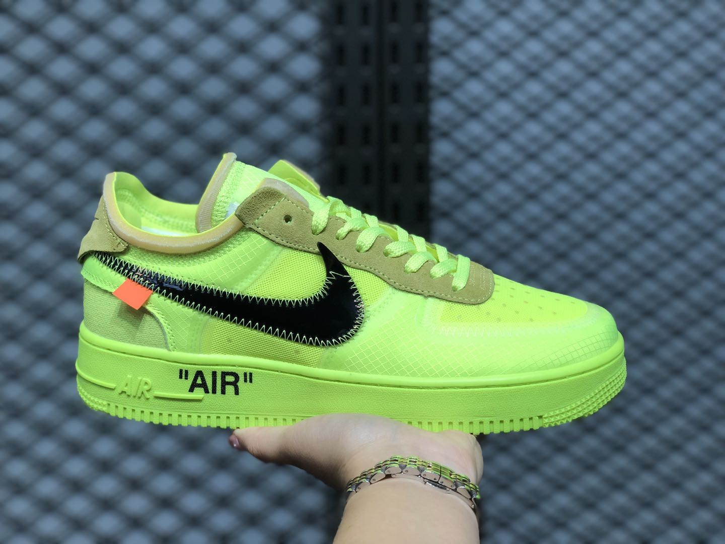 Off-White x Nike Air Force 1 Low AO4606