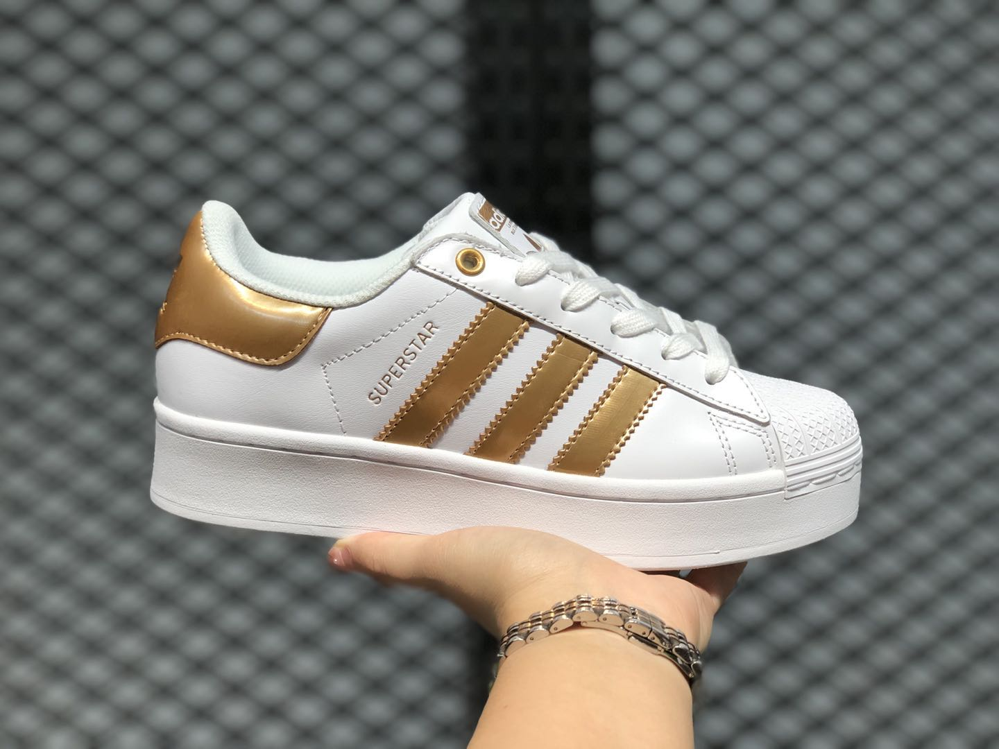 Pendiente Interpretación Contribuyente  Best Sell Adidas Superstar Cloud White/Copper Metallic FX4273 | kids white  leather nike shox size 5.5 shoes