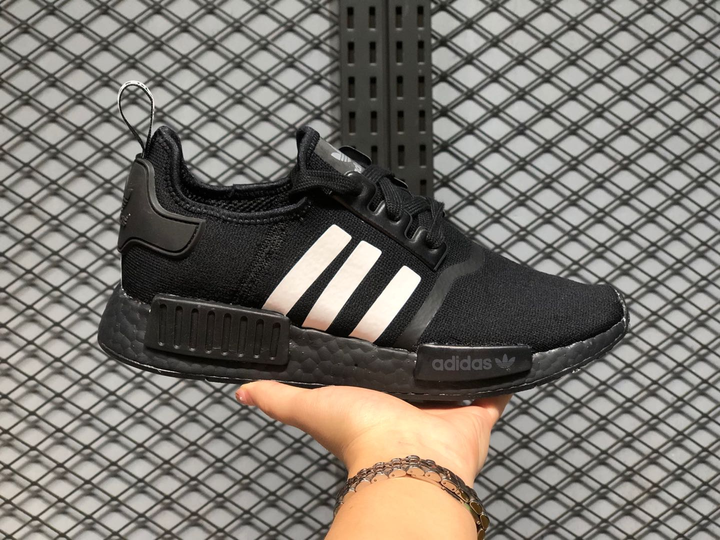 Hot Selling Adidas NMD R1 Core Black/Cloud White Shoes FV8728 ...