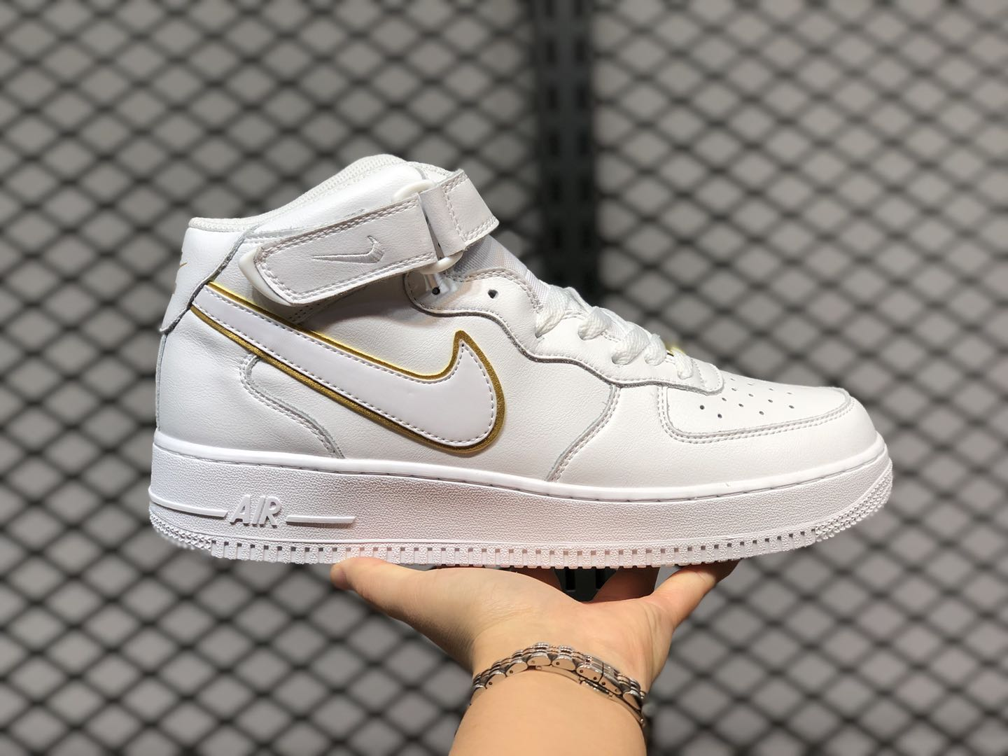 Nike Air Force 1 Mid White/Gold