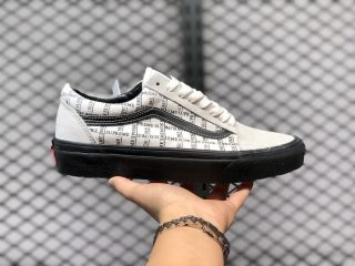 Supreme x Vans Old Skool Pro Sail/Black Skate Shoes In Stock